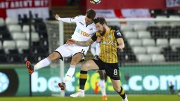 Futbalisti Swansea rozhodli o víťazstve po zmene strán