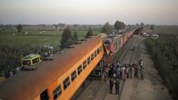 Tragická zrážka vlakov v Egypte si vyžiadala životy niekoľkých ľudí