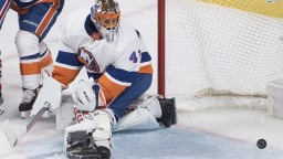 NHL: Halák vychytal vyše 20 striel, ďalšej prehre Islanders nezabránil