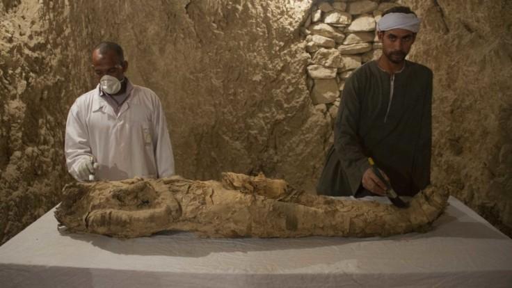 Na 5000-ročných egyptských múmiách objavili najstaršie tetovanie
