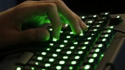 Hackerský útok na siete nemeckej vlády pokračuje, úrady proti nemu bojujú