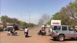 Ozbrojenci napadli sídlo generálneho štábu, bolo počuť výstrely