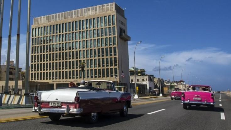 Pre záhadné útoky na zdravie opustí Kubu väčšina diplomatov USA