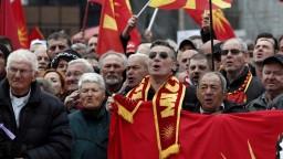 Sme Macedónsko. Ľudia vyšli do ulíc proti zmene názvu krajiny