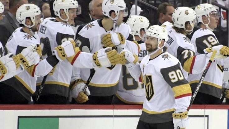NHL: Tatar strelil prvý gól v drese Vegas, skóroval aj Jurčo