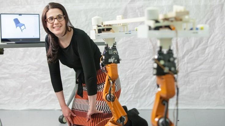 AutoSaw používa roboty pre bezpečné rezanie dreva na nábytok