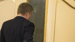 Fico spája krízu so Sorosom, politické súvislosti bude riešiť onedlho