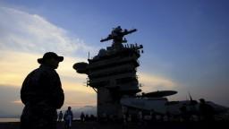 Do Vietnamu sa prvýkrát od vojny priplavila lietadlová loď USA