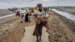Čistky Rohingov pokračujú, za hranice ich už utiekli státisíce