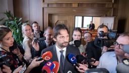 Kaliňák čelil poslancom, neprezradil meno šéfa vyšetrovateľov