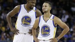 NBA: Zraneného Curryho zastúpil Durant, Boston s istotou play-off