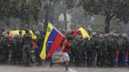 Venezuelčania utekajú pred krízou, pomoc hľadajú v Peru