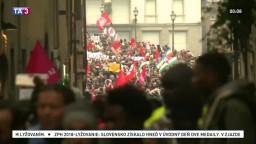 Stovky Senegalčanov protestovali vo Florencii proti rasizmu