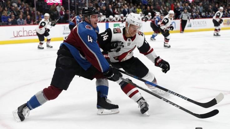 NHL: Pánik s gólom a asistenciou, Arizona však v Colorade prehrala