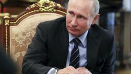 Štátne firmy v Rusku nútia zamestnancov ísť voliť