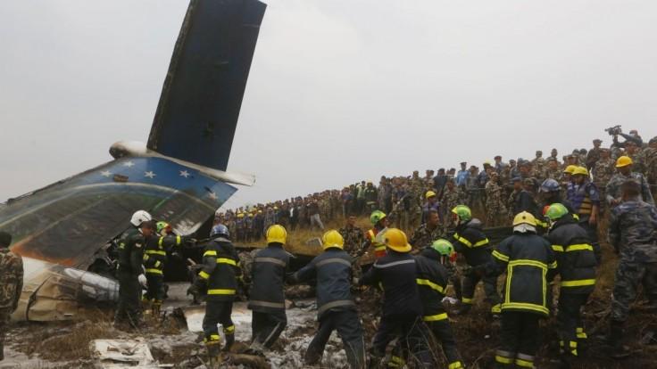 Pilot havarovaného lietadla sa neriadil pokynmi, prilietal z inej strany