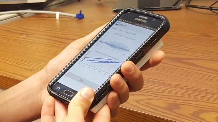 Kryt pre smartfón so zabudovaným prototypom tlakomera