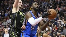 Basketbalista Westbrook sa zapísal do histórie súťaže NBA