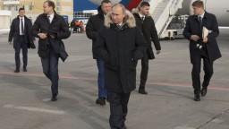 Putin navštívil pred voľbami Krym, Ukrajina proti jeho návšteve protestovala