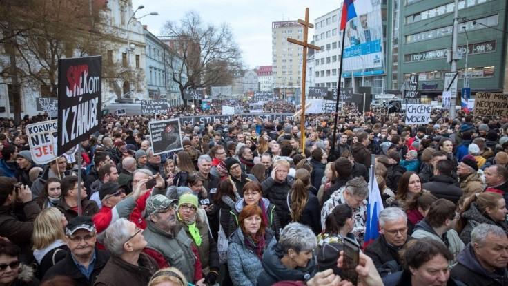 Oklamali verejnosť, tvrdia organizátori protestných zhromaždení