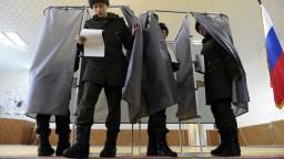 Prezidentské voľby v Rusku sledujú státisíce pozorovateľov