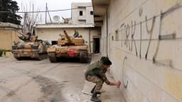 Turecko chce pokračovať v ofenzíve, nevylučuje zásah v Iraku