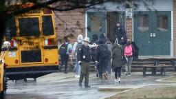 Pri najnovšej streľbe na americkej škole zahynul mladý útočník