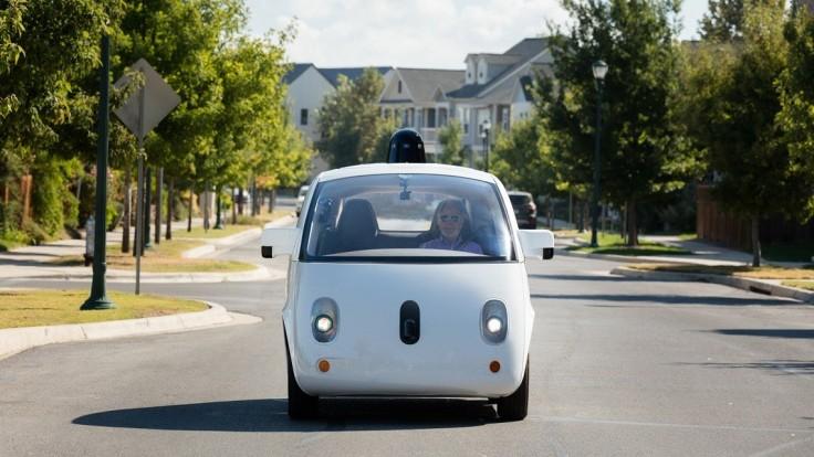 Autonómne autá potrebujú štandardy pre algoritmy umelej inteligencie