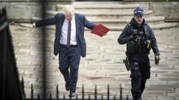 Johnson si myslí, že otrava exagenta súvisela s ruskými voľbami