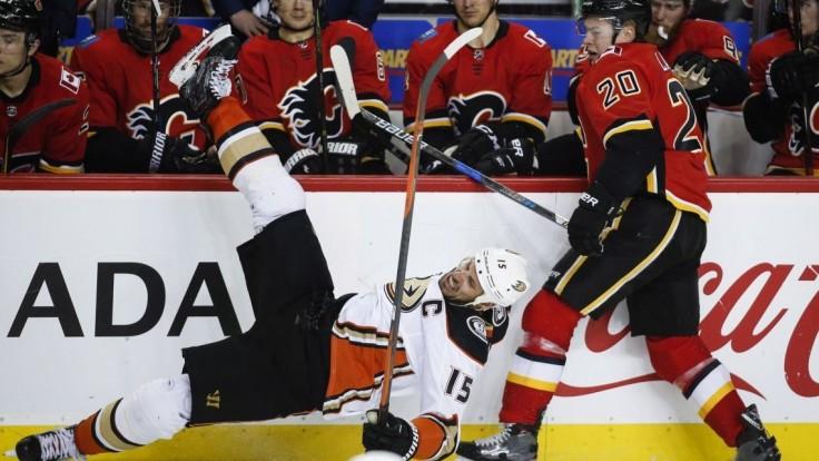 NHL: Pánik bodoval v treťom zápase po sebe, prekonal brankára Ullmarka