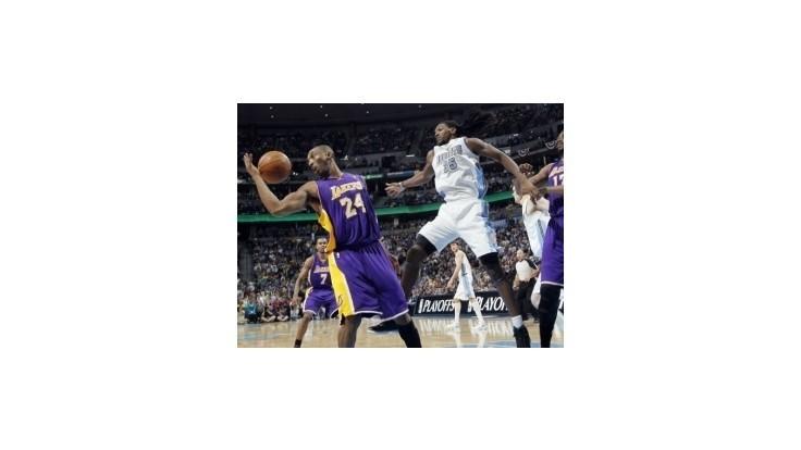 NBA: Chicago nad priepasťou, Sixers, Lakers a Celtics o krok bližšie k postupu
