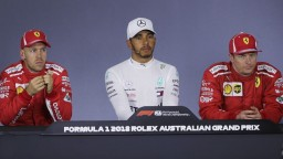 F1: Kvalifikáciu ovládol Hamilton, zajazdil nový rekord trate