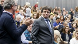 Puigdemont sa opäť vyhol zatknutiu, náhle odcestoval z Fínska