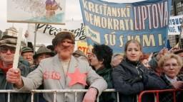 Slovensko si pripomína 30. výročie Sviečkovej manifestácie
