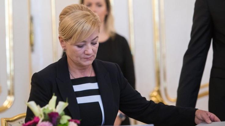 Stovky osobností kultúry vyzývajú novú ministerku, aby rezignovala