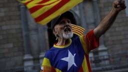 Separatisti zablokovali cesty, narušili aj dopravu v Barcelone