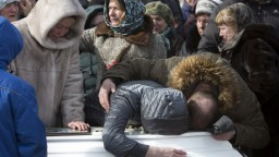 V Rusku vyhlásili štátny smútok, pochovali prvé obete požiaru