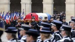 Pamiatku francúzskeho policajta si uctili stovky ľudí aj prezident