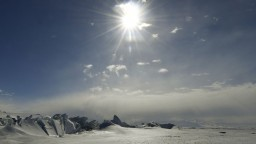 Ruské lietadlo preletelo ponad severný pól. Prvýkrát od sovietskej éry