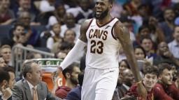 NBA: LeBron vyrovnal Jordanovo maximum. Je vďačný a berie to s pokorou
