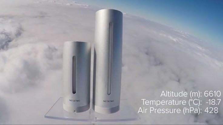Osobná meteorologická stanica a merač kvality ovzdušia sa vydali do stratosféry