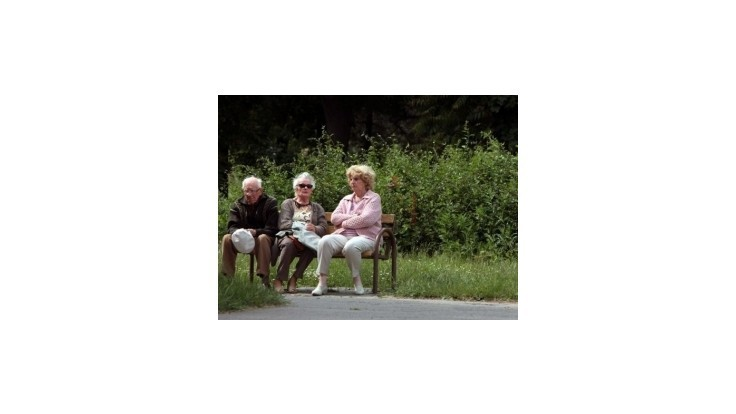 Na vianočné príspevky dôchodcom išlo vlani 60,8 milióna eur