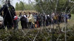 Dohodu o presídlení migrantov stopli, vyvolala odpor miestnych