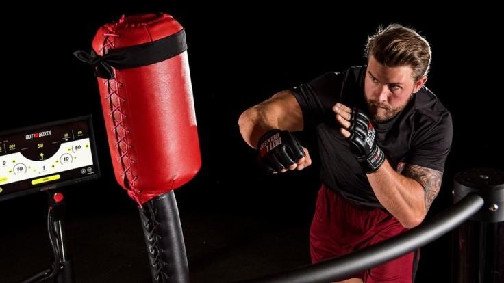Robotické boxovacie vrece dokáže uhýbať úderom ako boxer