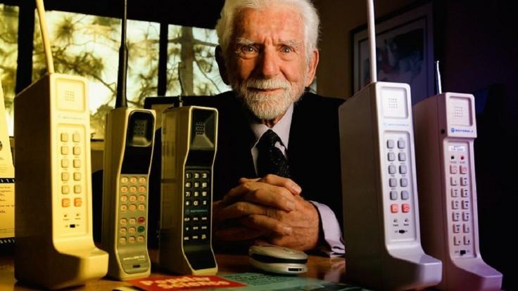 Mobilný telefón oslavuje 45 rokov