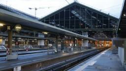 Francúzsko paralyzoval štrajk. Nejazdia takmer žiadne vlaky