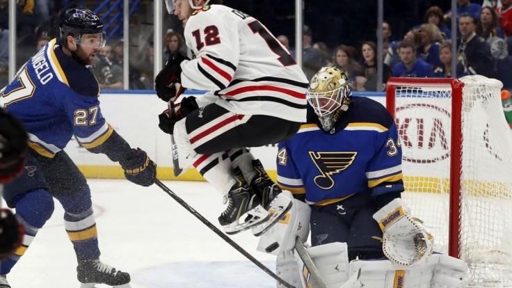 NHL: Čierni jastrabi otočili duel v St. Louis, Jurčo nebodoval