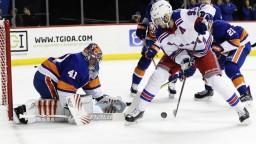 NHL: Halák druhou hviezdou zápasu, Pánik si pripísal asistenciu