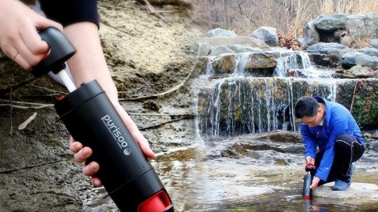 Fľaša Purisoo dokáže načerpať a vyčistiť vodu z prírodného zdroja