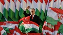 Maďari rozhodnú o smerovaní krajiny. Orbán vyzval ľudí, aby prišli voliť
